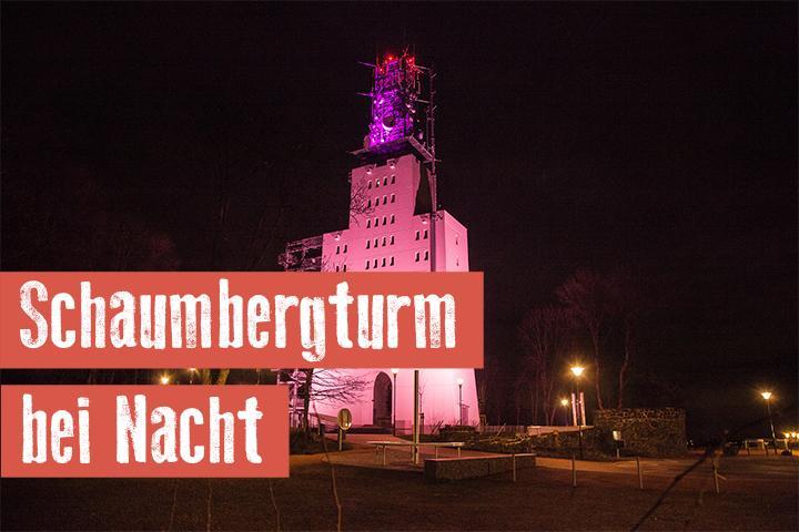 Schaumbergturm bei Nacht
